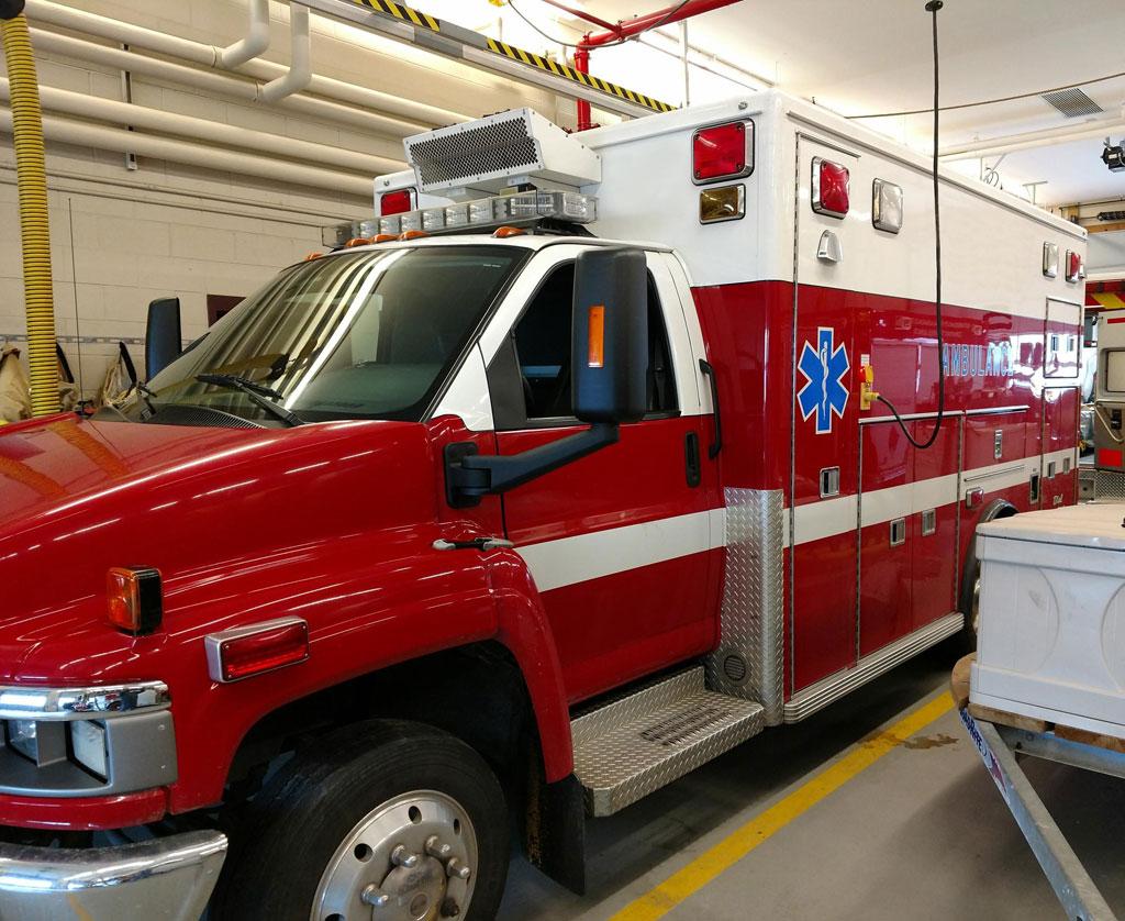 All Chevy chevy c4500 : 2008 Chevy C4500 Lifeline Ambulance | Greenwood Emergency Vehicles ...